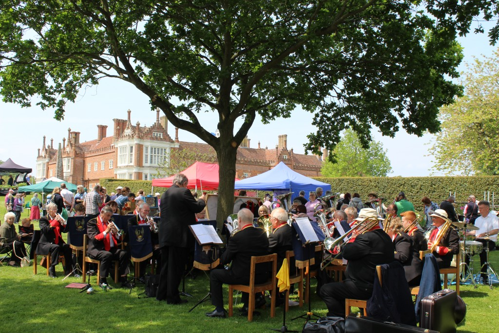 Helmingham Hall spring plant fair